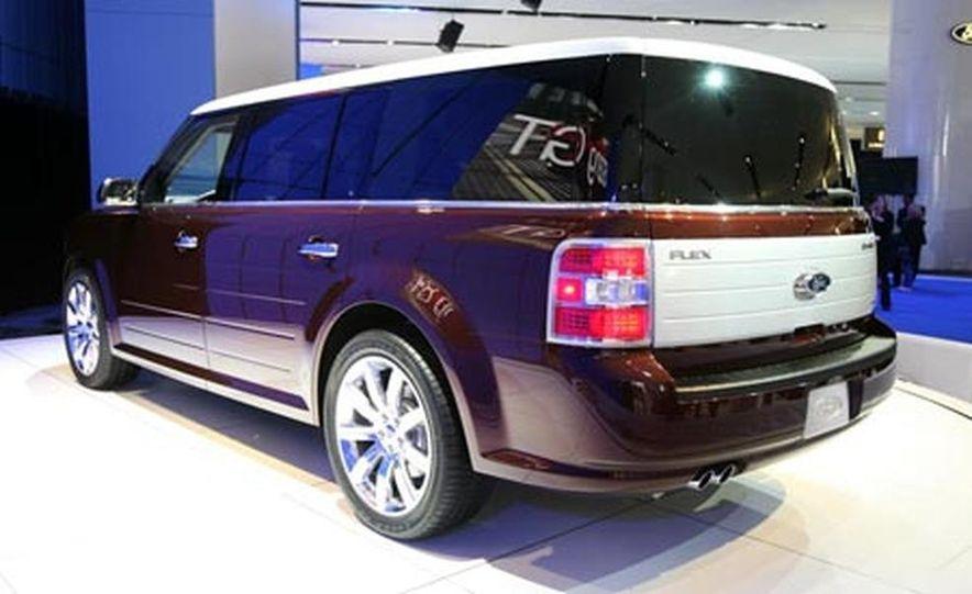 2009 Ford Flex - Slide 7