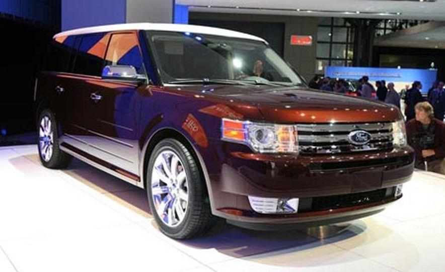 2009 Ford Flex - Slide 3