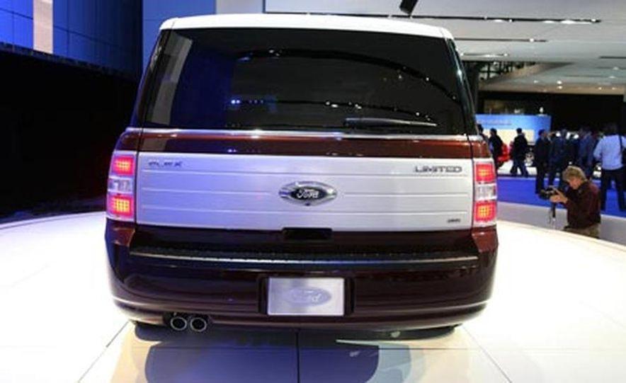 2009 Ford Flex - Slide 8