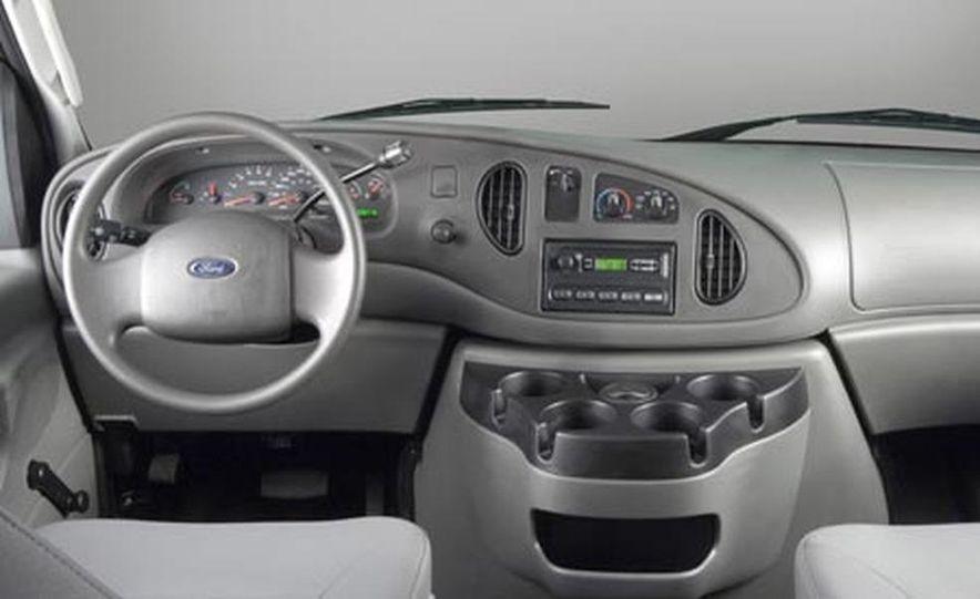 2008 Ford E-series - Slide 19