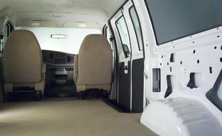 2008 Ford E-series - Slide 21