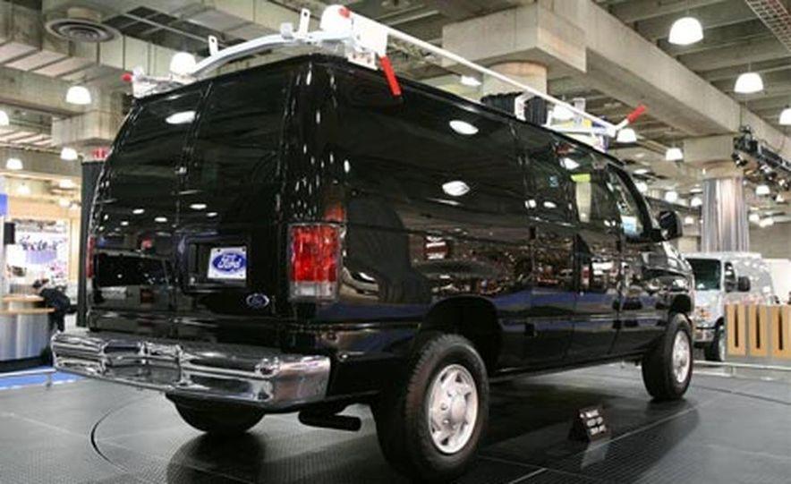 2008 Ford E-series - Slide 2