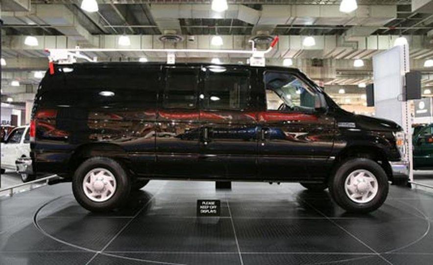 2008 Ford E-series - Slide 3