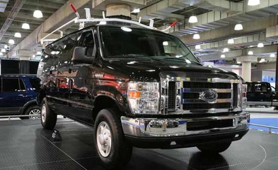2008 Ford E-series - Slide 4