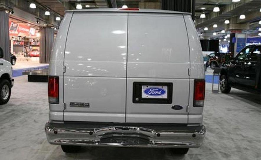 2008 Ford E-series - Slide 6