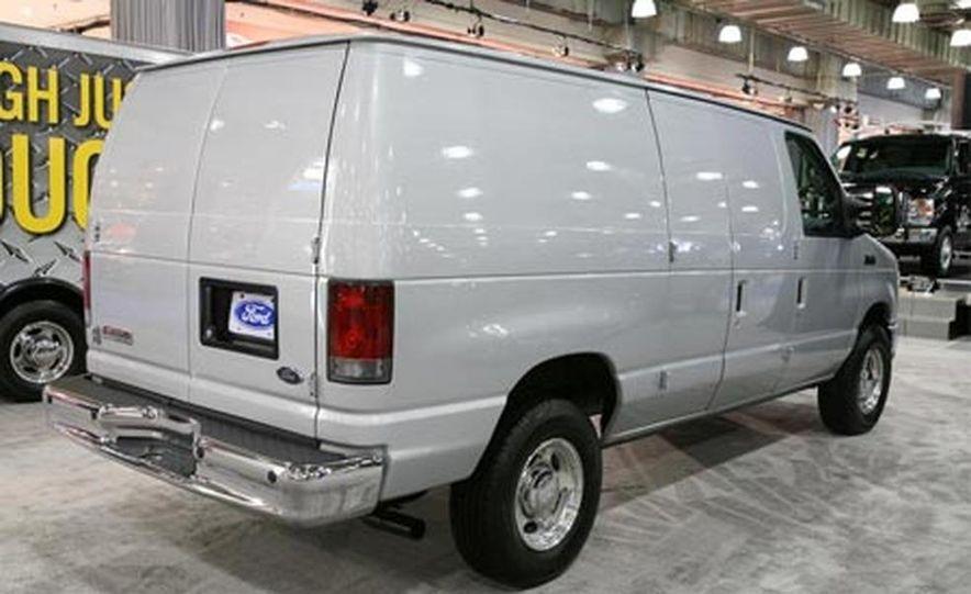 2008 Ford E-series - Slide 7