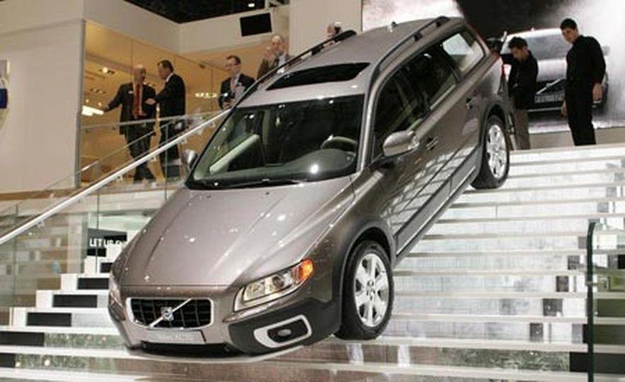 2008 Volvo XC70 - Slide 1