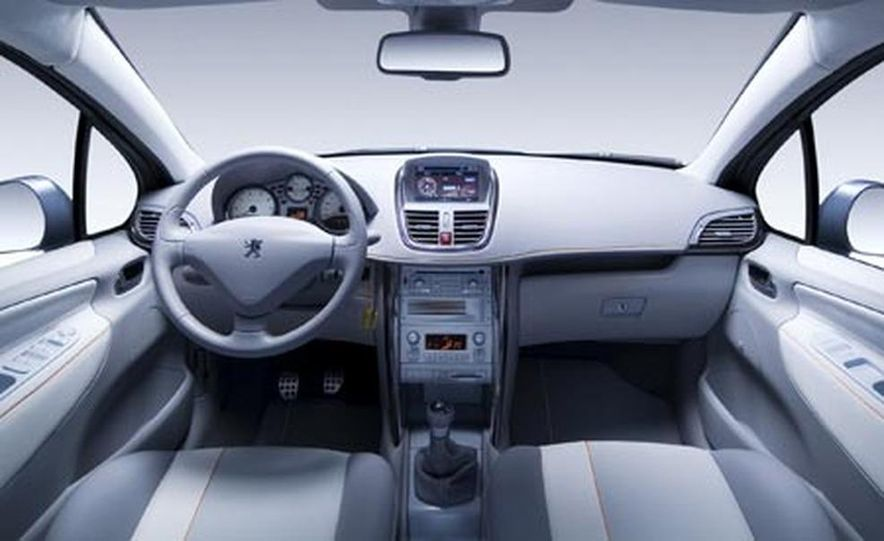 Peugeot 207 SW Outdoor concept - Slide 11
