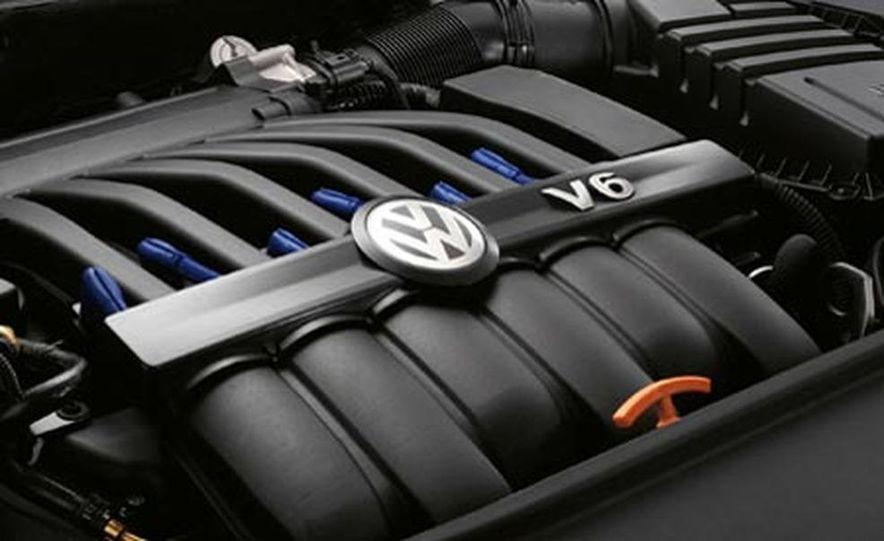 2007 Volkswagen Passat R36 - Slide 3