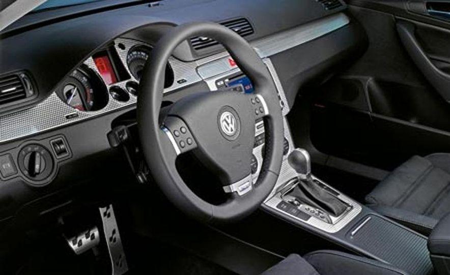 2007 Volkswagen Passat R36 - Slide 6