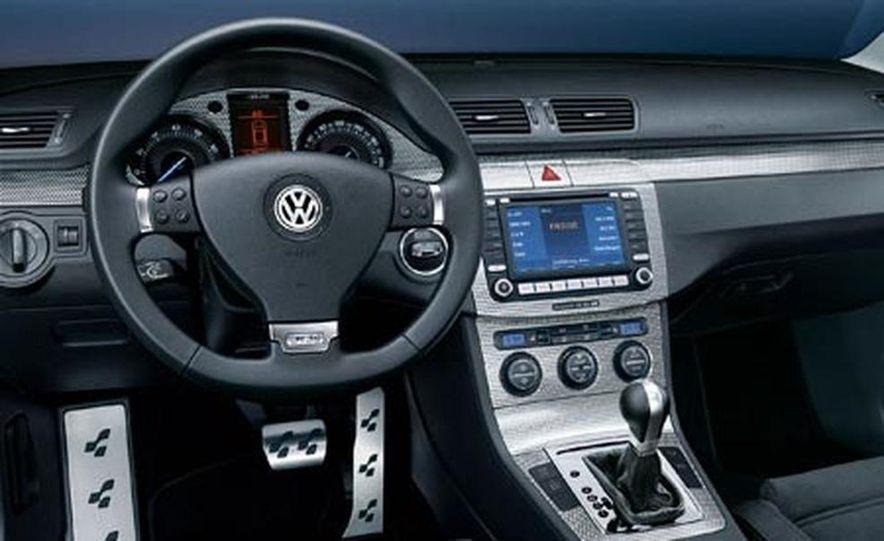 2007 Volkswagen Passat R36 - Slide 7