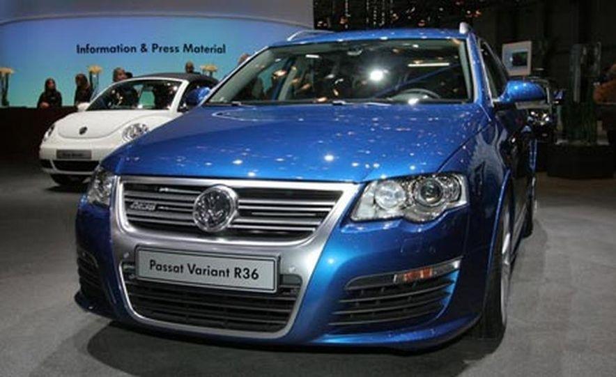 2007 Volkswagen Passat R36 - Slide 2
