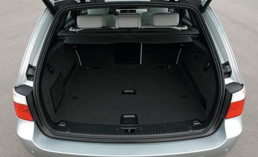 2008 BMW M5 Touring - Slide 7