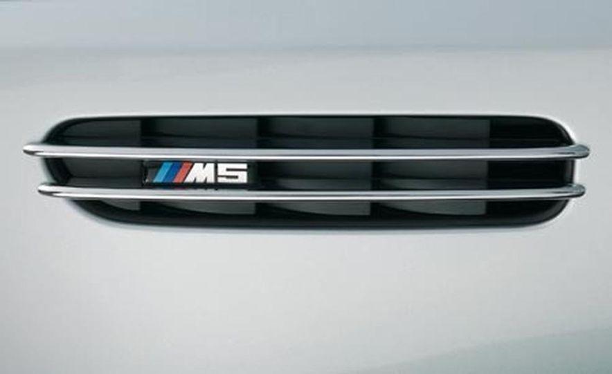 2008 BMW M5 Touring - Slide 9