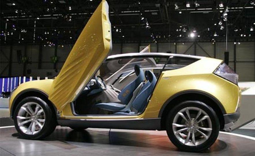 Mazda Hakaze concept - Slide 1