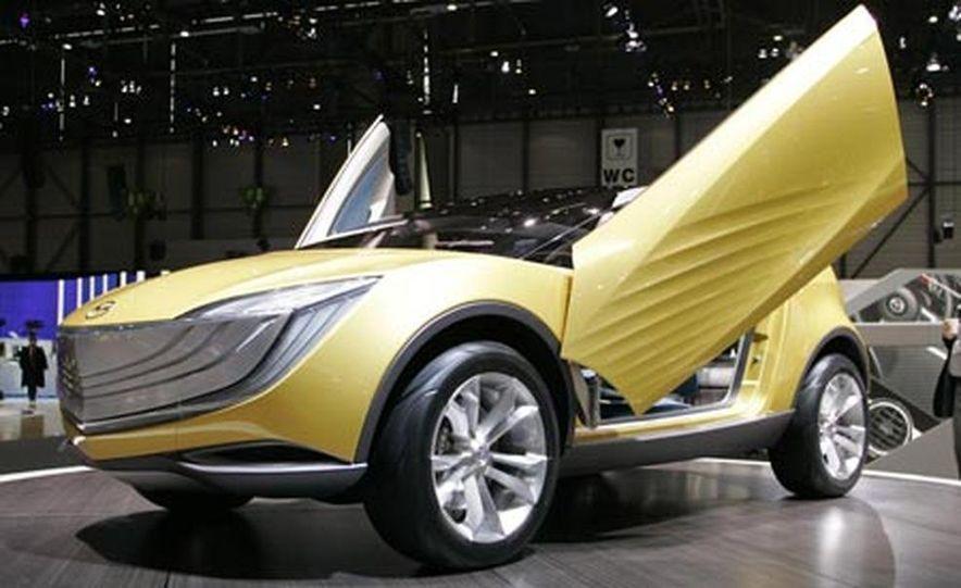 Mazda Hakaze concept - Slide 2