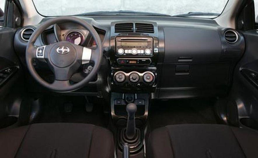 2008 Ford Taurus X - Slide 29