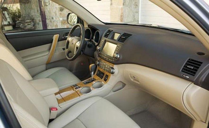 2008 Ford Taurus X - Slide 15