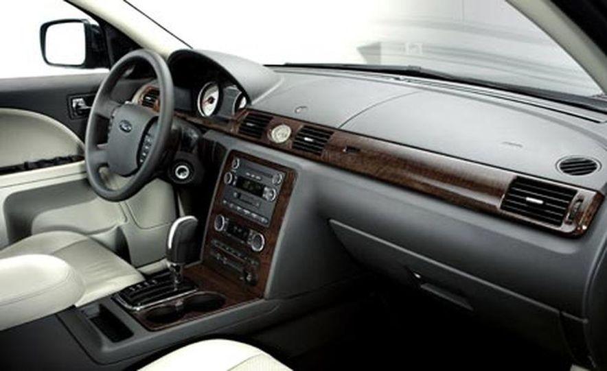 2008 Ford Taurus X - Slide 25