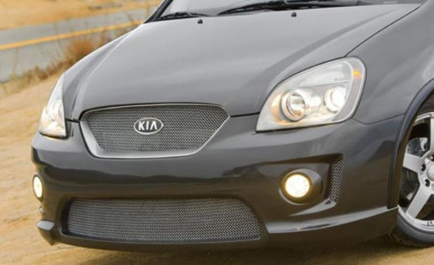 Kia Rondo SX Concept - Slide 1