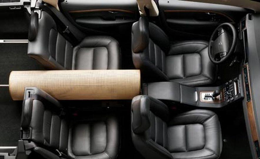 2008 Volvo V70 - Slide 14