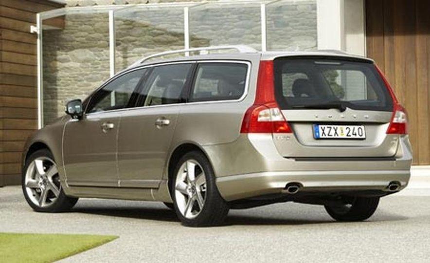 2008 Volvo V70 - Slide 5