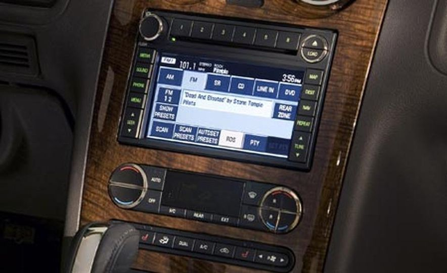 2008 Ford Taurus X audio, climate controls, and navigation display - Slide 1