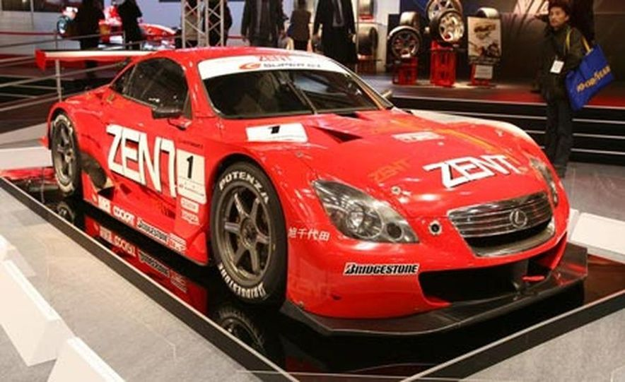 The third-generation Mazda RX-7 was sold in Japan until 2002 (Mazda gave up in the U.S. in 1995), accounting for its continuing popularity in motorsport and with tuners and enthusiasts. - Slide 34