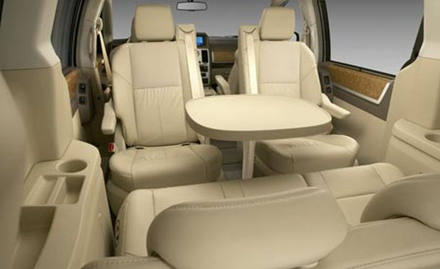2008 Chrysler Town $amp; Country - Slide 11