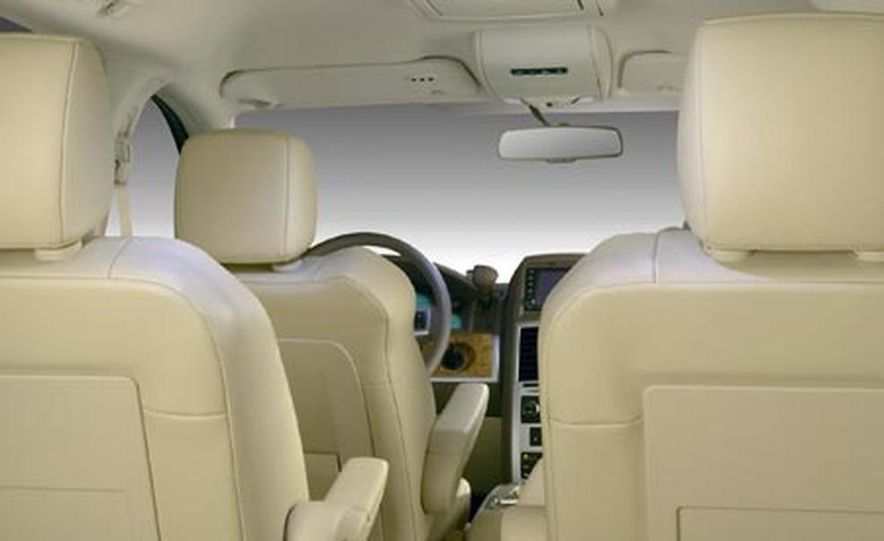 2008 Chrysler Town $amp; Country - Slide 13