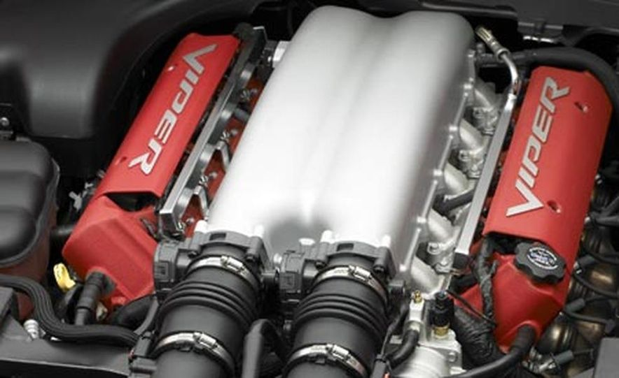 2008 Dodge Viper SRT10 8.4-liter V10 engine - Slide 1