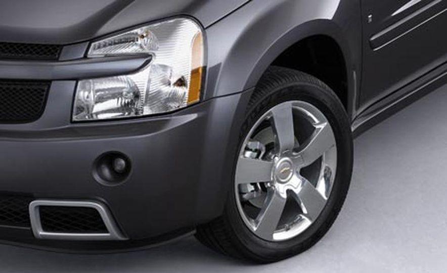 2008 Chevrolet Equinox Sport - Slide 2