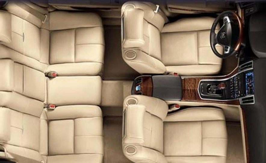 Cadillac SLS - Slide 7