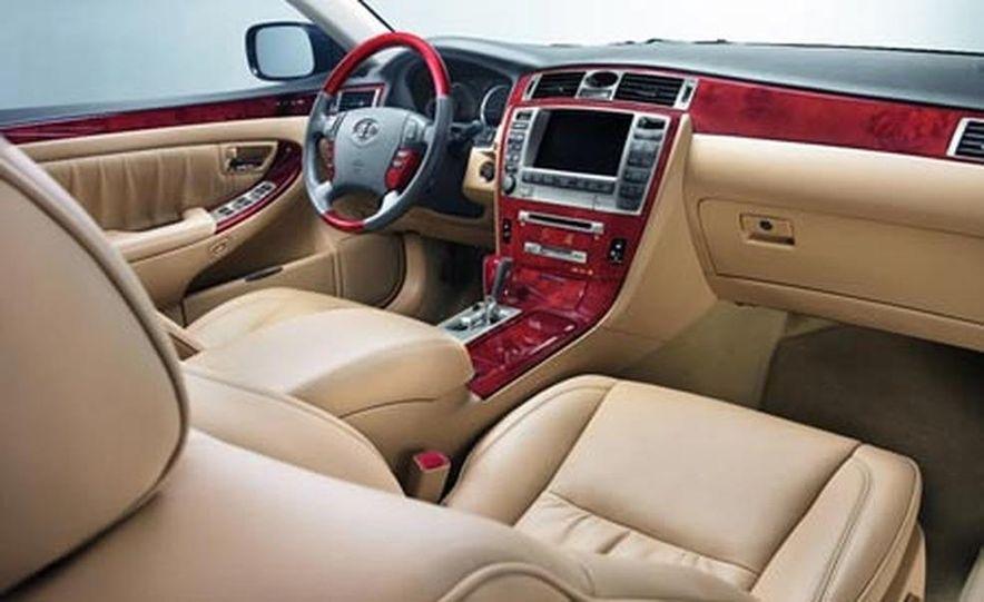 Cadillac SLS - Slide 18