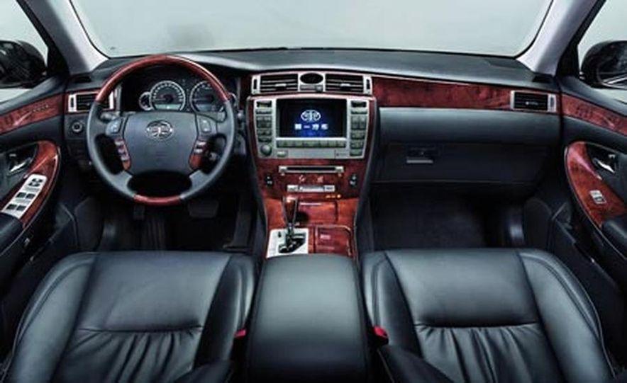 Cadillac SLS - Slide 19