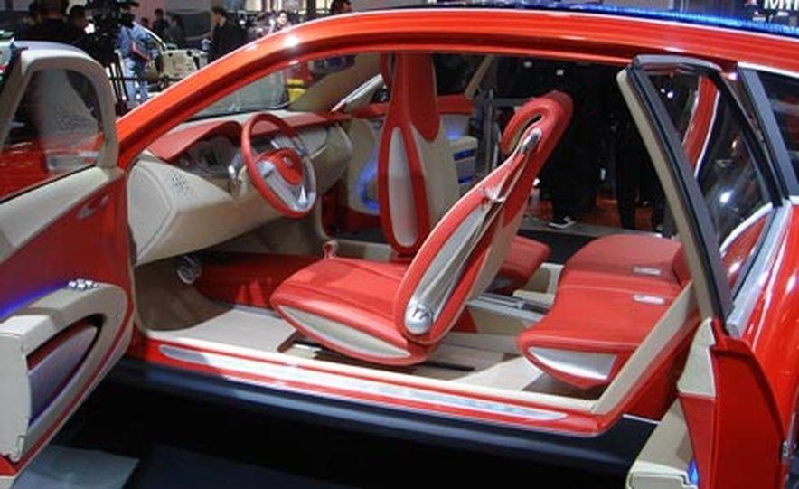 Cadillac SLS - Slide 27