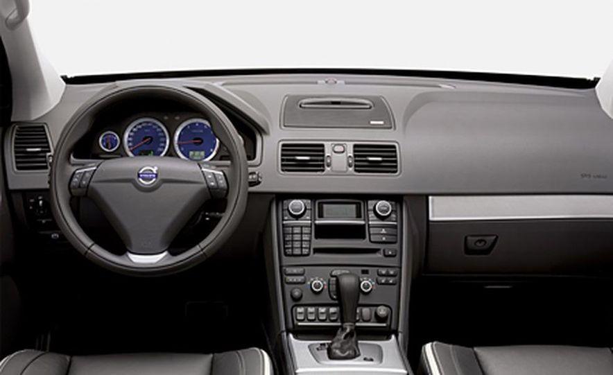 2007 Volvo XC90 V8 Sport - Slide 6