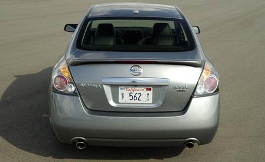 2007 Nissan Altima 3.5SE - Slide 7
