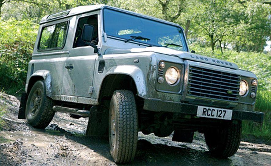 2007 Land Rover Defender - Slide 2