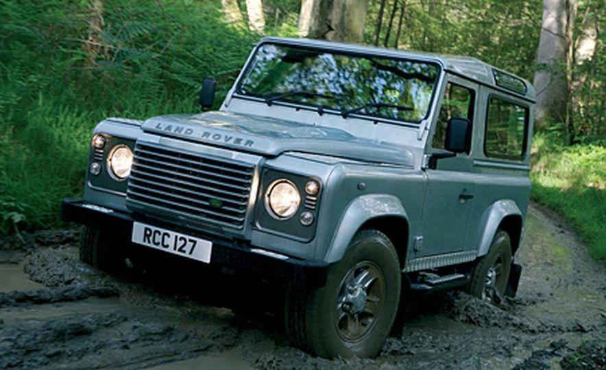2007 Land Rover Defender - Slide 3