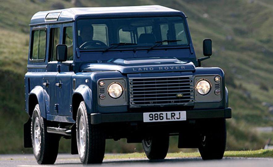 2007 Land Rover Defender - Slide 5