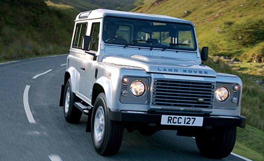 2007 Land Rover Defender - Slide 6