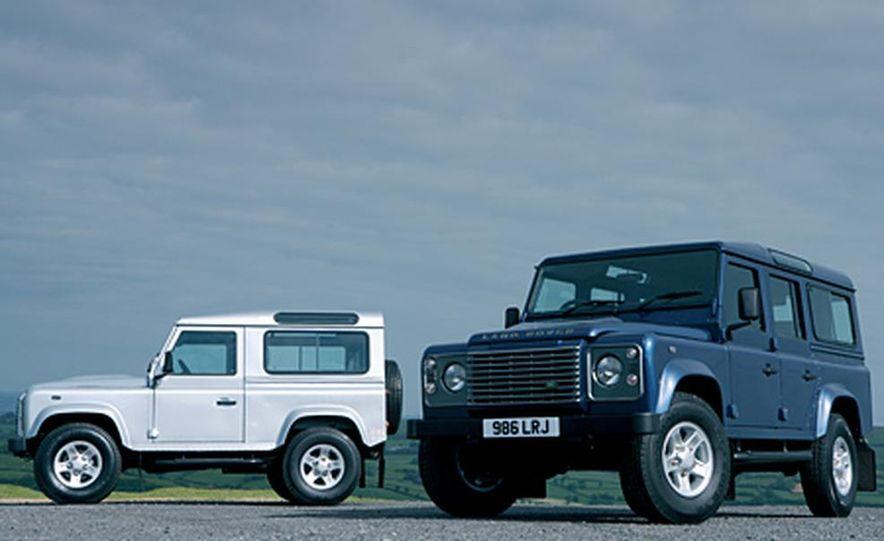 2007 Land Rover Defender - Slide 11