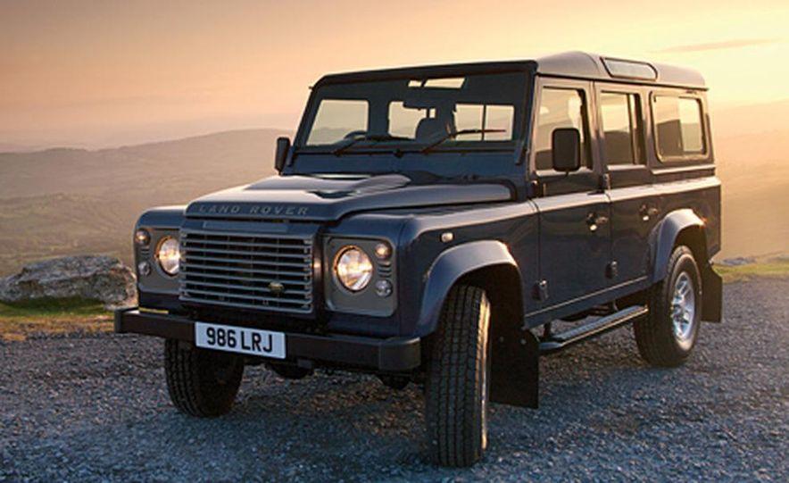 2007 Land Rover Defender - Slide 10