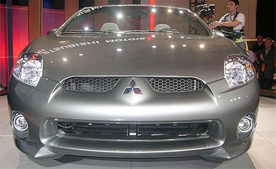 2007 Mitsubishi Eclipse Spyder - Slide 10