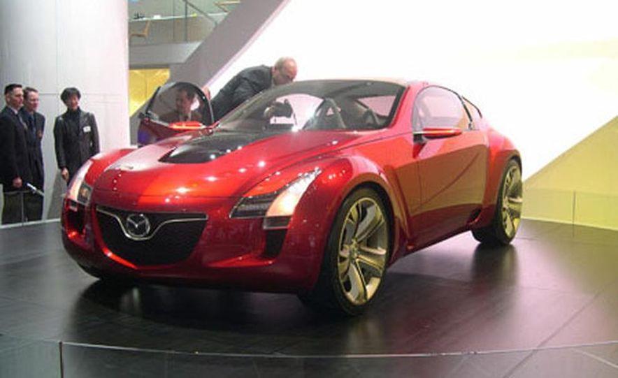 Mazda Kabura Concept - Slide 1