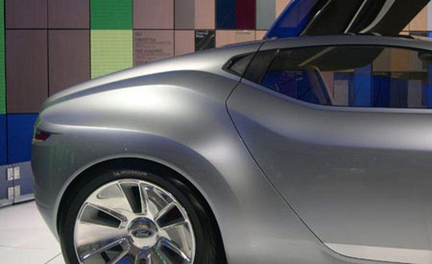 Ford Reflex Concept - Slide 12