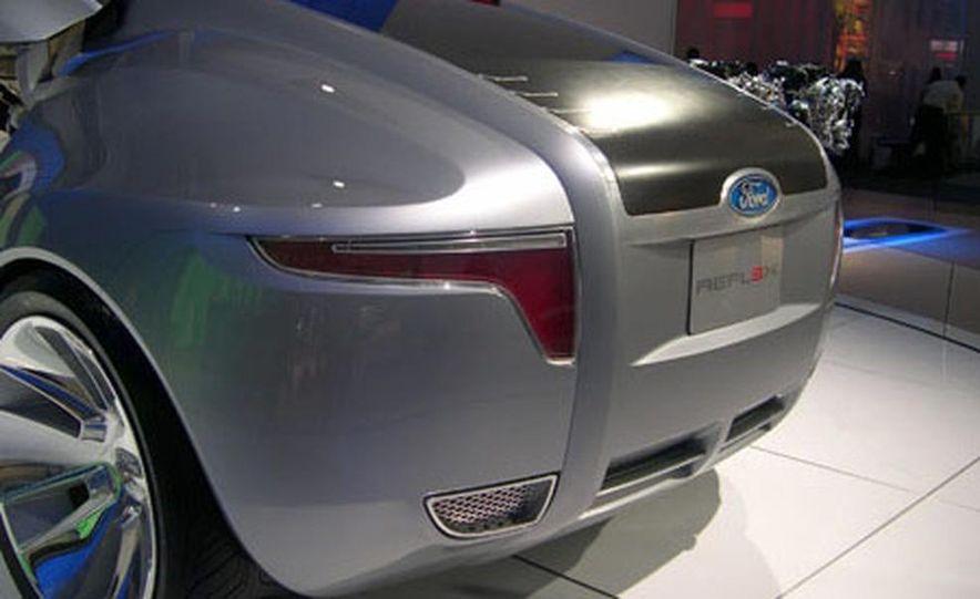 Ford Reflex Concept - Slide 15