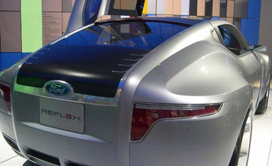 Ford Reflex Concept - Slide 16