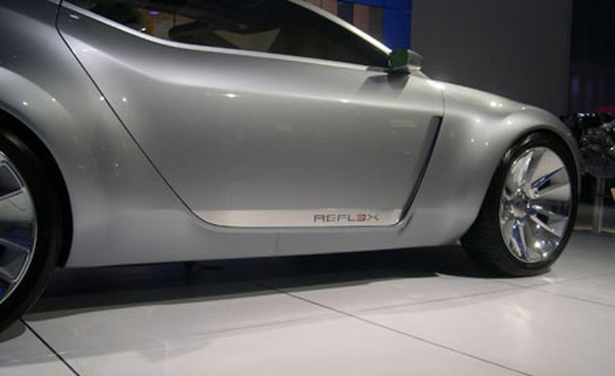 Ford Reflex Concept - Slide 17